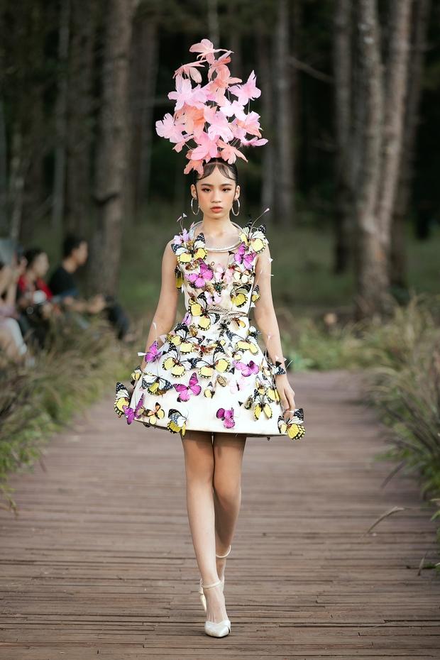 Sự kiện đặc biệt giữa rừng: Con gái Đoan Trang xuất thần, Hoàng Thuỳ chìm trong váy khủng, thí sinh Miss Tourism bức tử vòng 1 - Ảnh 16.