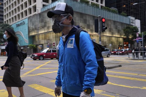 Hong Kong (Trung Quốc) nỗ lực kiềm chế làn sóng lây nhiễm COVID-19 thứ 4 - Ảnh 1.