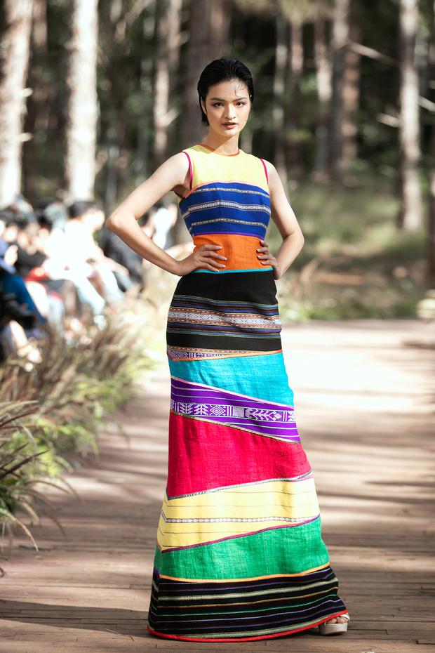 Sự kiện đặc biệt giữa rừng: Con gái Đoan Trang xuất thần, Hoàng Thuỳ chìm trong váy khủng, thí sinh Miss Tourism bức tử vòng 1 - Ảnh 8.