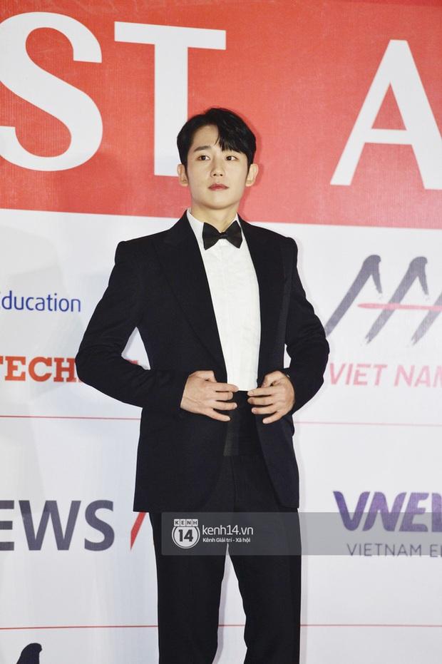 """Năm ngoái quân đoàn sao Hàn khuynh đảo thảm đỏ AAA ở Việt Nam: Yoona - Park Min Young đẹp xỉu, Ji Chang Wook, Red Velvet và dàn idol """"bùng nổ"""" - Ảnh 11."""