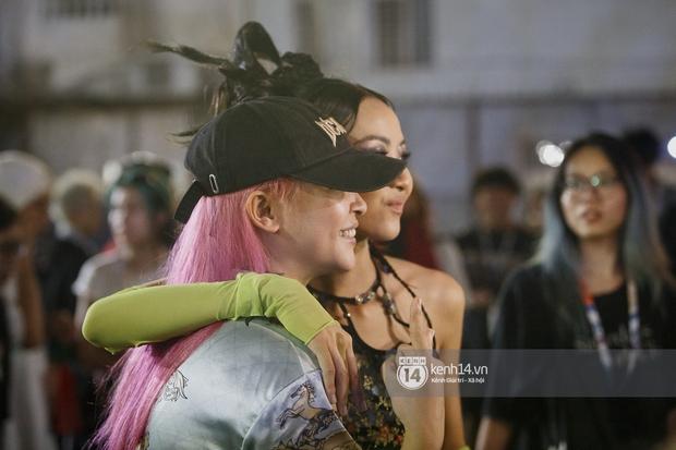 Kimmese bất ngờ đến thăm Suboi tại hậu trường đêm nhạc, 2 Queen of Rap cùng nhau quẩy Tèn Tèn Girls đáng yêu quá! - Ảnh 8.