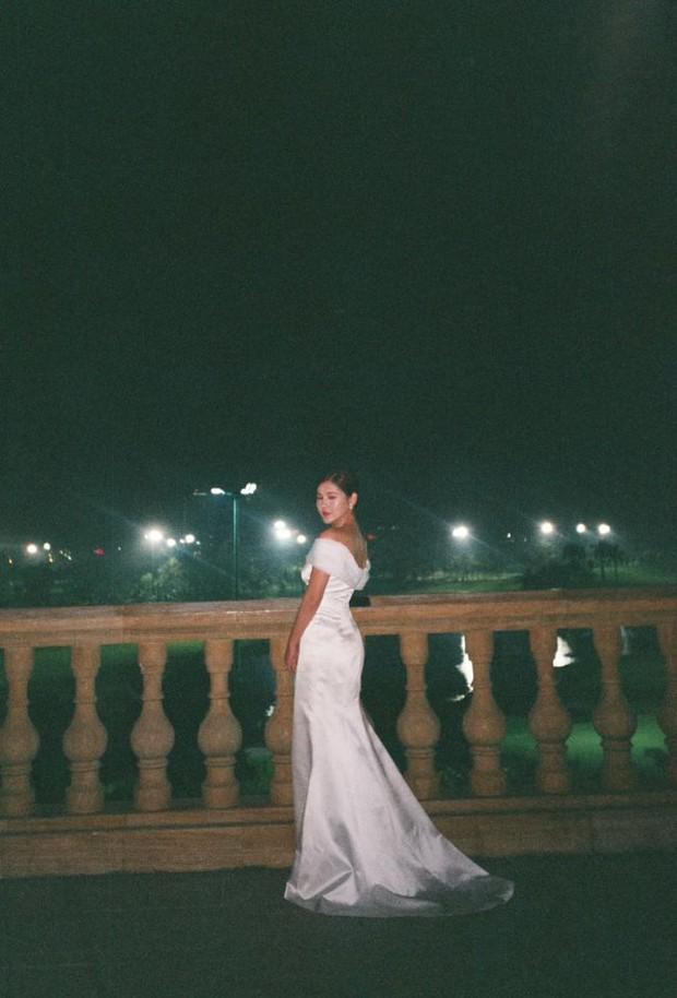 MC Thu Hoài tung trọn bộ ảnh trong tiệc mời cưới: Cô dâu đầy gợi cảm, ai dè Lã Thanh Huyền - Quỳnh Nga nóng bỏng chiếm spotlight - Ảnh 6.
