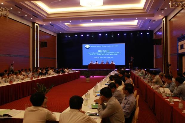 Chính phủ hỗ trợ khẩn miền Trung 1.250 tỷ đồng, 21,53 triệu USD từ nước ngoài chuyển về - Ảnh 2.