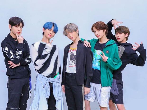 Nhóm idol Gen 4 hát live cực đỉnh: Em trai BTS ai cũng giỏi nên không có main vocal, ITZY được khen hát tốt hơn hẳn TWICE - Ảnh 3.