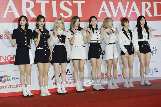"""Năm ngoái quân đoàn sao Hàn khuynh đảo thảm đỏ AAA ở Việt Nam: Yoona - Park Min Young đẹp xỉu, Ji Chang Wook, Red Velvet và dàn idol """"bùng nổ"""" - Ảnh 5."""