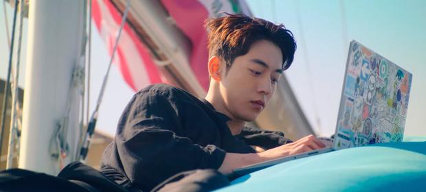 Kim Seon Ho rục rịch tỏ tình Suzy, fan chưa kịp mừng thì Nam Joo Hyuk tái xuất ở tập 13 Start Up - Ảnh 1.