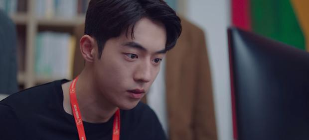 Kim Seon Ho rục rịch tỏ tình Suzy, fan chưa kịp mừng thì Nam Joo Hyuk tái xuất ở tập 13 Start Up - Ảnh 9.