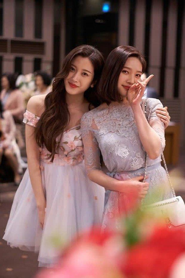 Moon Ga Young - Nữ chính True Beauty: Xuất thân danh giá, nhan sắc đỉnh cao lại được cả hội nam thần EXO cưng như trứng - Ảnh 18.