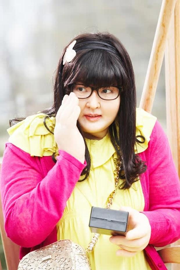 """6 màn """"vịt hoá thiên nga"""" ngoạn mục ở phim Hàn: IU, Moon Ga Young chưa sốc bằng ác nữ Penthouse - Ảnh 7."""