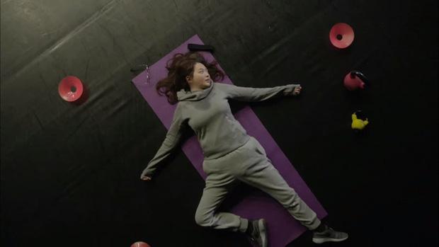 """6 màn """"vịt hoá thiên nga"""" ngoạn mục ở phim Hàn: IU, Moon Ga Young chưa sốc bằng ác nữ Penthouse - Ảnh 13."""