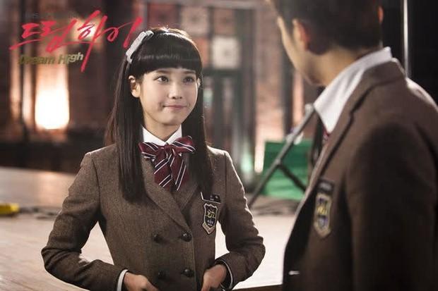 """6 màn """"vịt hoá thiên nga"""" ngoạn mục ở phim Hàn: IU, Moon Ga Young chưa sốc bằng ác nữ Penthouse - Ảnh 5."""
