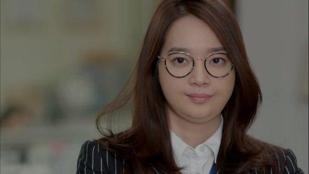 """6 màn """"vịt hoá thiên nga"""" ngoạn mục ở phim Hàn: IU, Moon Ga Young chưa sốc bằng ác nữ Penthouse - Ảnh 11."""