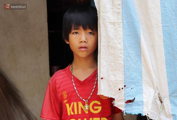 3 đứa trẻ không cha, đói ăn bên người mẹ bệnh tật: Con đi lượm ve chai, vỏ dừa khô để phụ mẹ nuôi em - Ảnh 9.