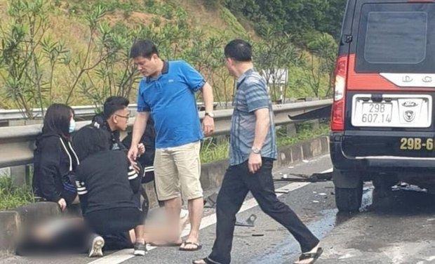 Phú Thọ: Xe khách 16 chỗ va chạm kinh hoàng với xe đầu kéo, 8 người nhập viện cấp cứu - Ảnh 2.