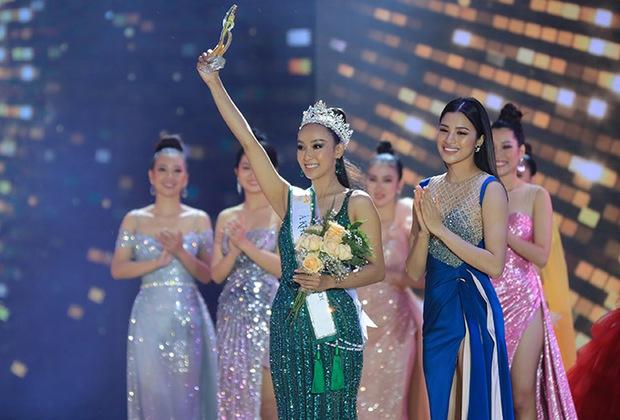 Chưa từng có tiền lệ: Miss Tourism Việt Nam 2020 không có Tân Hoa khôi, chỉ có 2 Á khôi, Khánh Ngân vẫn giữ ngôi vị sau 3 năm! - Ảnh 6.