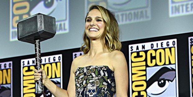 5 cú phốt mà Marvel mãi muốn giấu: Tị nạnh nhau từng đồng lương, tiếc nhất mỹ nữ bít cửa vì lỡ chửi sếp - Ảnh 8.
