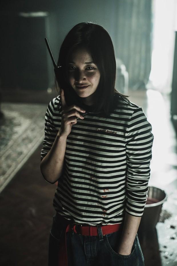 The Call: Tưởng Park Shin Hye đóng phim bách hợp pha kinh dị hóa ra lầm to, twist khủng nhất lại nằm ở after-credit - Ảnh 8.