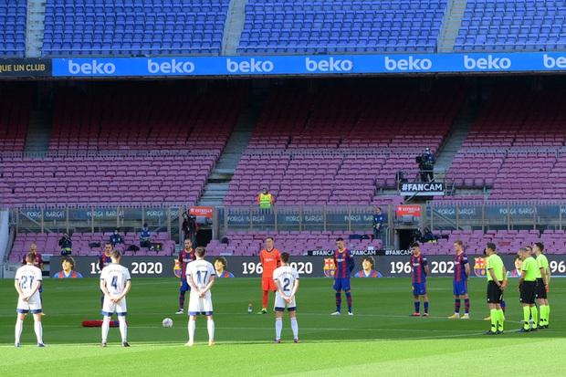Barca đại thắng 4-0, Messi ghi bàn và mặc chiếc áo tri ân Maradona - Ảnh 1.