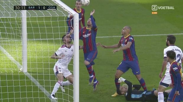 Barca đại thắng 4-0, Messi ghi bàn và mặc chiếc áo tri ân Maradona - Ảnh 5.