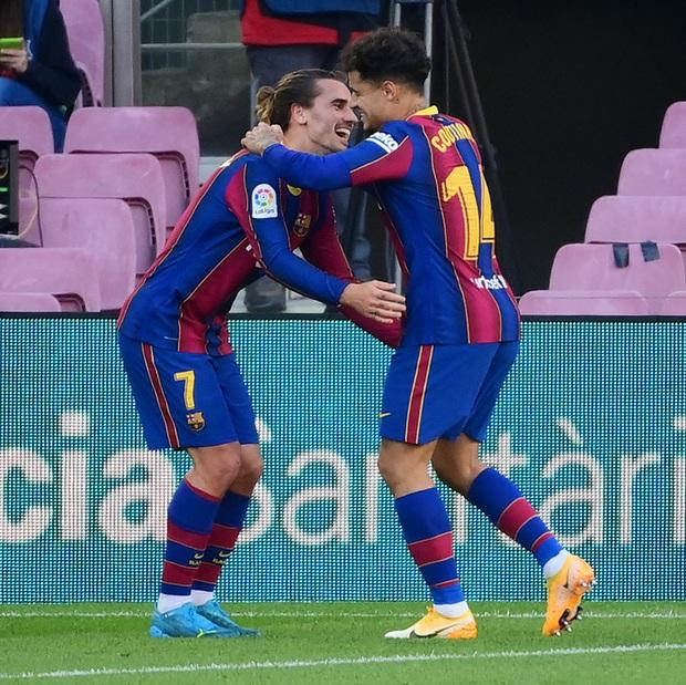 Barca đại thắng 4-0, Messi ghi bàn và mặc chiếc áo tri ân Maradona - Ảnh 8.