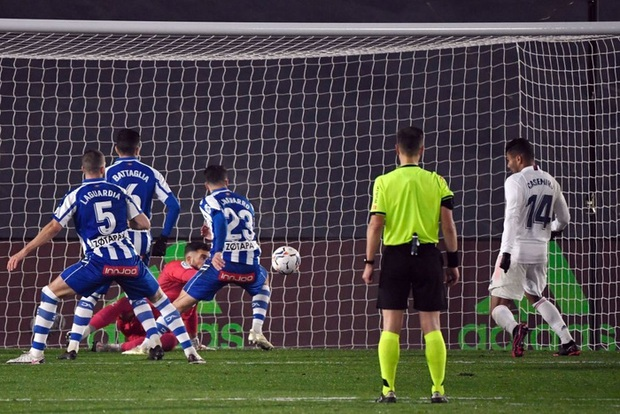 Real Madrid bại trận ở La Liga vì sai lầm đáng trách của thủ môn - Ảnh 7.