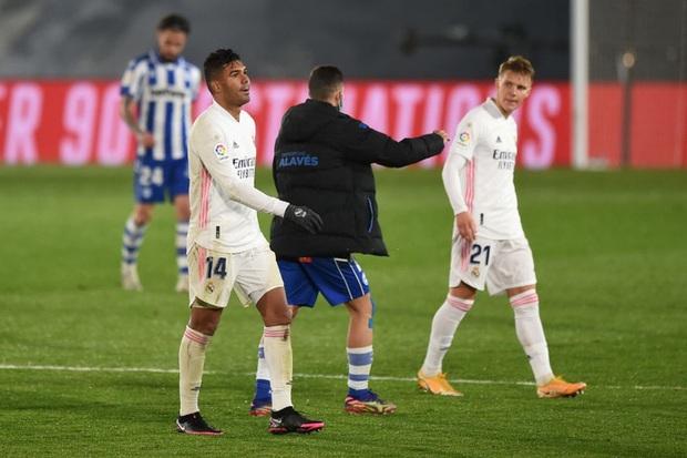 Real Madrid bại trận ở La Liga vì sai lầm đáng trách của thủ môn - Ảnh 8.