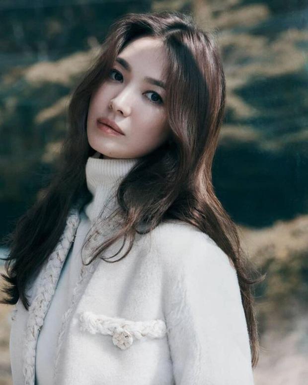 Ảnh cũ từ 20 năm trước của Song Hye Kyo bỗng hot lại: Lý do được tôn làm quốc bảo nhan sắc Kbiz là đây? - Ảnh 14.