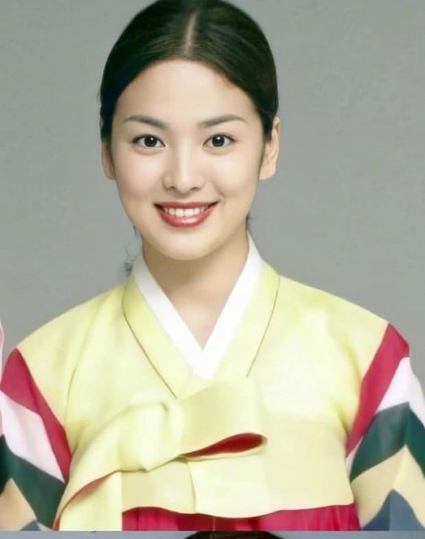 Ảnh cũ từ 20 năm trước của Song Hye Kyo bỗng hot lại: Lý do được tôn làm quốc bảo nhan sắc Kbiz là đây? - Ảnh 5.