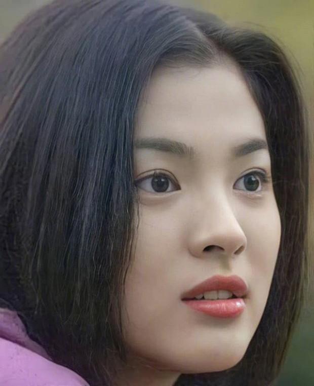 Ảnh cũ từ 20 năm trước của Song Hye Kyo bỗng hot lại: Lý do được tôn làm quốc bảo nhan sắc Kbiz là đây? - Ảnh 3.