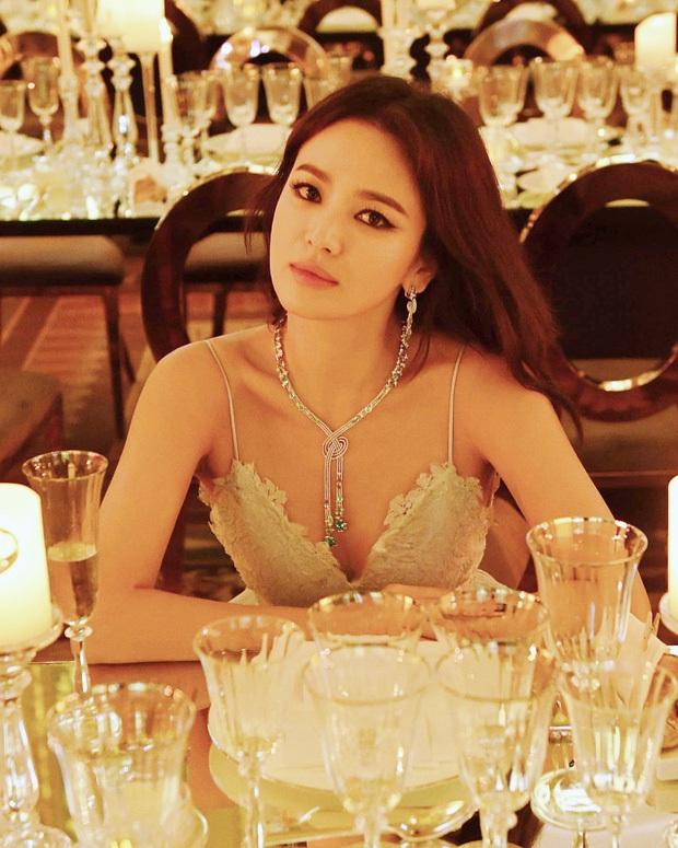 Ảnh cũ từ 20 năm trước của Song Hye Kyo bỗng hot lại: Lý do được tôn làm quốc bảo nhan sắc Kbiz là đây? - Ảnh 13.
