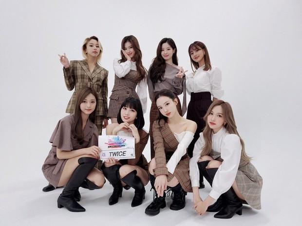 TWICE thắng Daesang mảng nghệ sĩ nhưng không được công nhận, netizen mỉa mai AAA 2020 trao giải Encore Of The Year còn hợp lý hơn! - Ảnh 6.