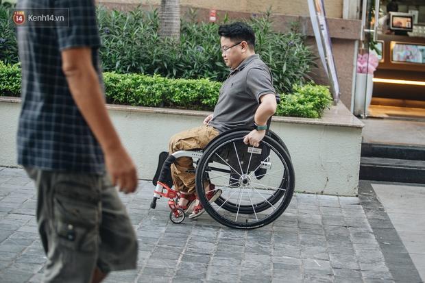 Chàng trai không thể vỡ với 150 lần gãy xương vẫn chinh phục 4 cực và đỉnh Fansipan, đặt chân đến 45 tỉnh/thành phố - Ảnh 6.