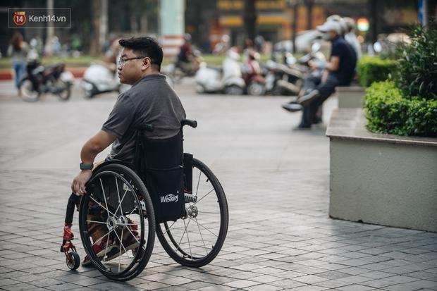 Chàng trai không thể vỡ với 150 lần gãy xương vẫn chinh phục 4 cực và đỉnh Fansipan, đặt chân đến 45 tỉnh/thành phố - Ảnh 3.