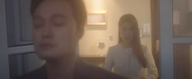 Quang Vinh comeback hát nhạc Mr. Siro, MV miêu tả tổ hợp tình yêu hết sức phức tạp của Lynk Lee, Liz Kim Cương và Diễm My 9x - Ảnh 14.