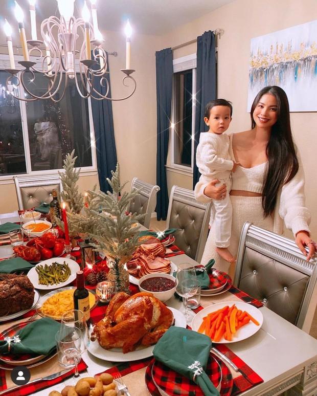 Dàn sao Vbiz rộn ràng đón lễ Tạ ơn - Giáng sinh, choáng nhất Ngọc Trinh, Phạm Hương và Lã Thanh Huyền trang hoàng nhà lồng lộn - Ảnh 1.
