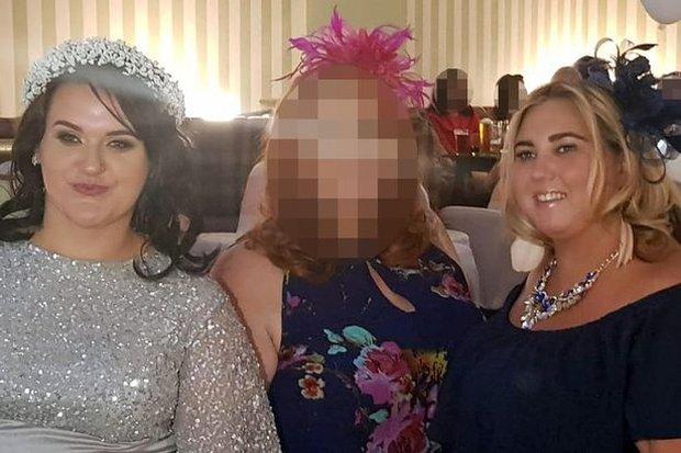 Cô dâu giả vờ bị ung thư để bạn bè quyên góp cho 347 triệu đồng tổ chức đám cưới sang chảnh - Ảnh 2.