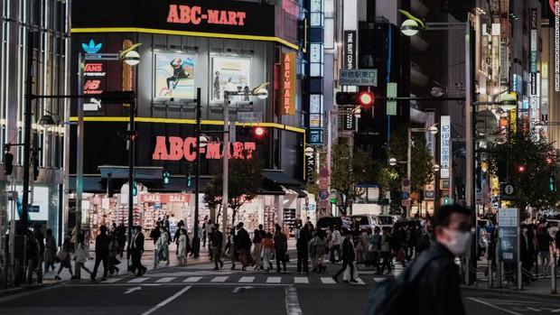 Hiện thực kinh hoàng ở Nhật Bản: Số người tự tử suốt 1 tháng qua còn nhiều hơn lượng người chết vì Covid-19 kể từ đầu đại dịch - Ảnh 6.