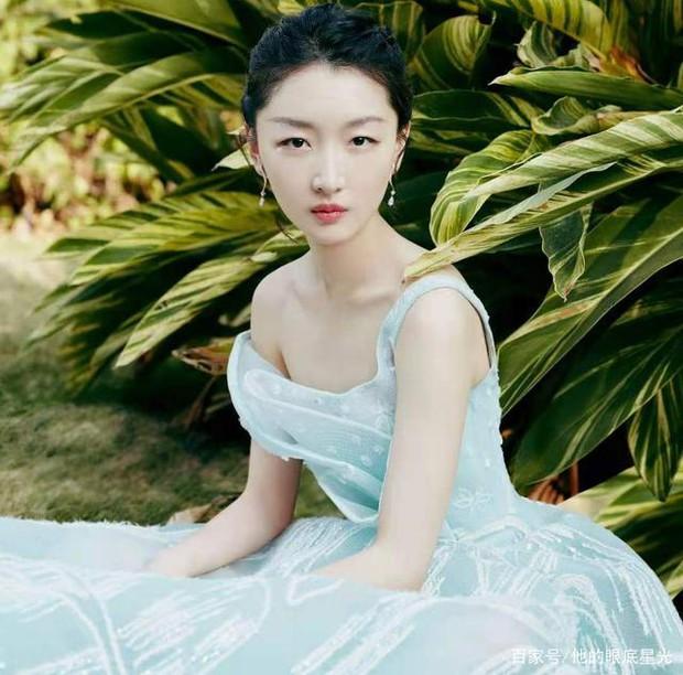 Châu Đông Vũ: Tam Kim Ảnh hậu gây sốc với đời tư vướng quy tắc ngầm, phốt EQ thấp, khiến Dương Mịch tỏ thái độ ra mặt - Ảnh 13.