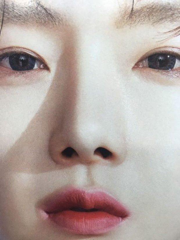 Bức ảnh gây lú cực mạnh: Netizen tranh cãi kịch liệt xem là Irene hay Taeyeon, kết quả cuối cùng khiến dân tình ngã ngửa - Ảnh 2.