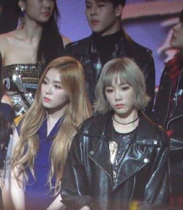 Bức ảnh gây lú cực mạnh: Netizen tranh cãi kịch liệt xem là Irene hay Taeyeon, kết quả cuối cùng khiến dân tình ngã ngửa - Ảnh 9.