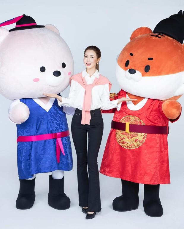 Nữ hoàng dao kéo Lee Da Hae lộ diện với gương mặt khác lạ, dấy lên nghi vấn nghiện dao kéo đến mức biến chứng - Ảnh 4.