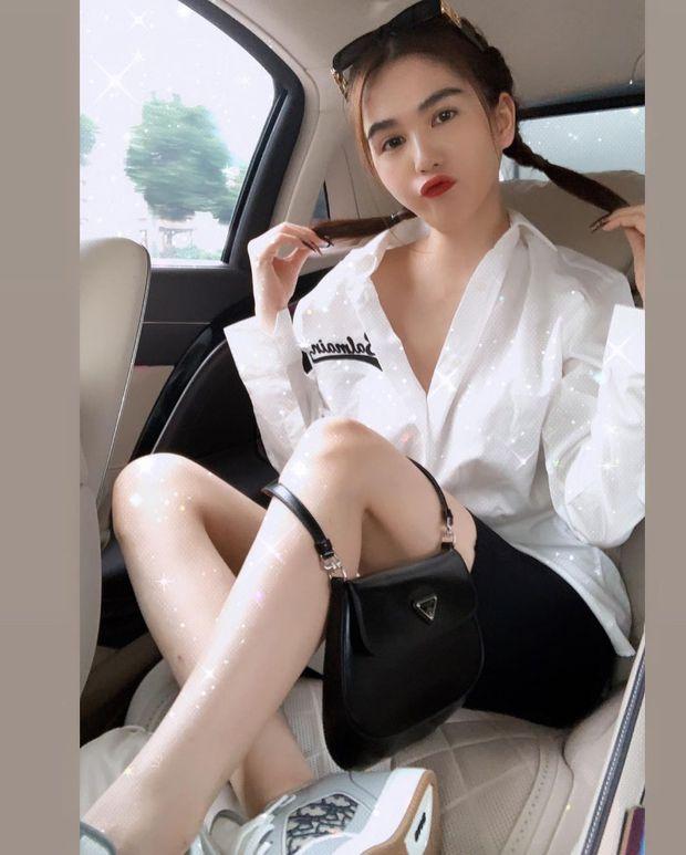"""Instagram look của sao Việt tuần qua: Chi Pu """"quẩy"""" skinny jeans ít ai mặc, Quỳnh Kool cố tình diện đồ lộ dây áo - Ảnh 3."""