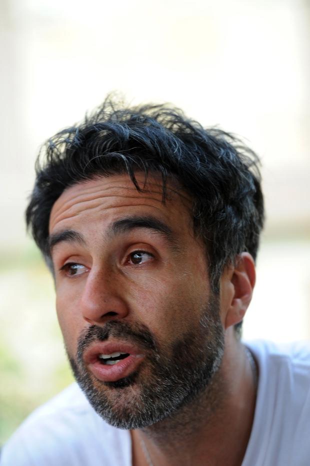 Bác sĩ rơi nước mắt, phản bác cáo buộc làm Maradona chết oan: Ông ấy đầu hàng bệnh tật - Ảnh 1.