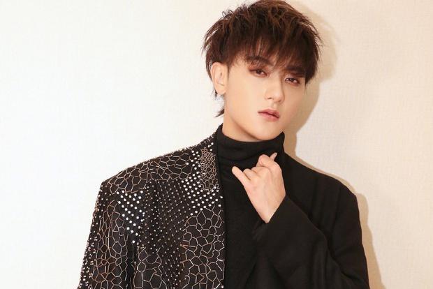 Hoàng Tử Thao khiến cộng đồng fan dậy sóng khi ké fame EXO, bị chỉ trích phản bội nhưng lợi dụng anh em cũ - Ảnh 2.