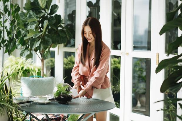 Căn hộ 350m2 của nữ doanh nhân Hà Nội: Phong cách Paris thanh lịch, nội thất nhập từ Ý, Pháp - Ảnh 1.