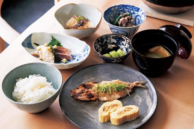Nhật Bản nhiều năm liền là đất nước có tỷ lệ người sống thọ cao: 6 thói quen đáng học hỏi từ họ mà bạn có thể làm ngay - Ảnh 3.