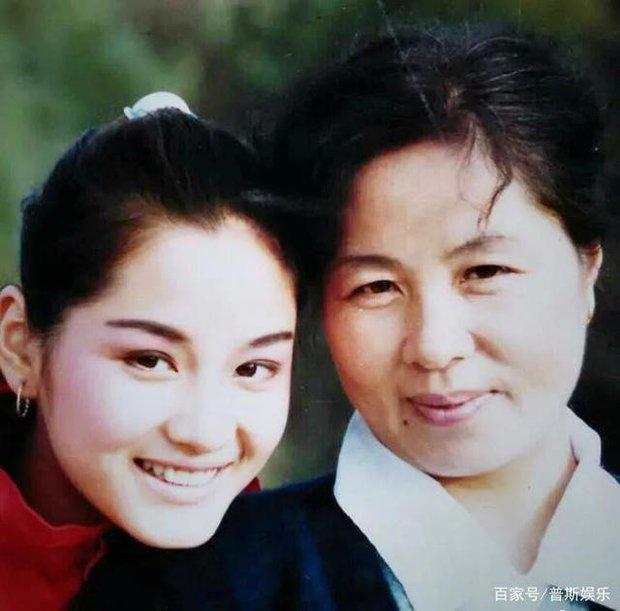 Siêu mẫu số 1 xứ tỷ dân Trung Quốc khốn khổ vì yêu chồng Vương Phi, bị tình cũ Cao Viên Viên phản bội và cái kết buồn tuổi 50 - Ảnh 3.