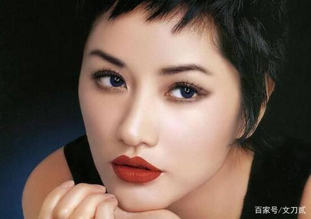 Siêu mẫu số 1 xứ tỷ dân Trung Quốc khốn khổ vì yêu chồng Vương Phi, bị tình cũ Cao Viên Viên phản bội và cái kết buồn tuổi 50 - Ảnh 2.