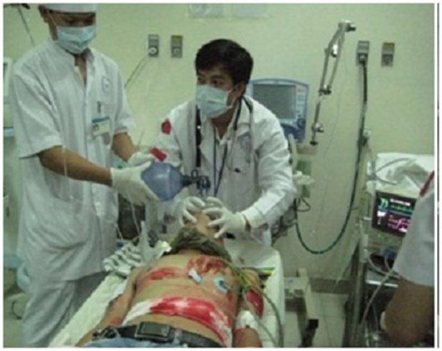 Rổ sạn nghiệp vụ tai hại ở Lửa Ấm: Người tuyên truyền sai về HIV/AIDS, kẻ vô tình hại chết cấp dưới - Ảnh 10.
