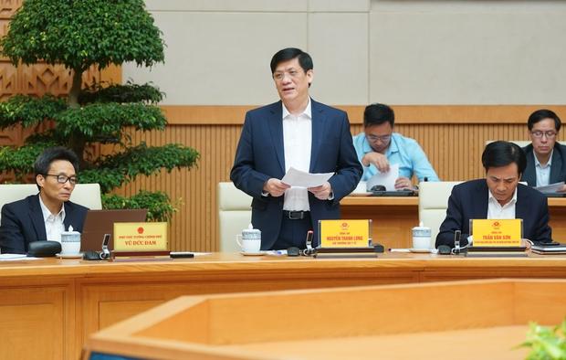 Đề nghị tạm dừng các chuyến bay thương mại từ nước ngoài về Việt Nam - Ảnh 1.